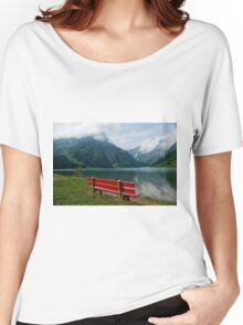 Red bench with a view Women's Relaxed Fit T-Shirt