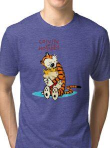 CALVIN HUG HOBBES : TSHIRT Tri-blend T-Shirt