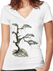 Chinese pine, a symbol of longevity Women's Fitted V-Neck T-Shirt