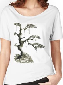 Chinese pine, a symbol of longevity Women's Relaxed Fit T-Shirt