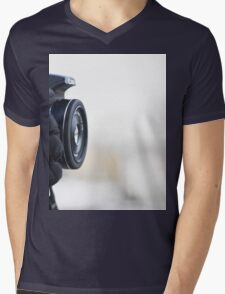 The photographer Mens V-Neck T-Shirt
