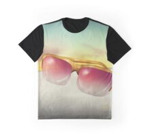 Sunnies Graphic T-Shirt