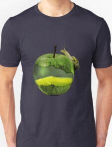 Snail on a juicy apple T-Shirt