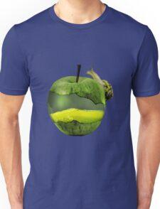 Snail on a juicy apple Unisex T-Shirt