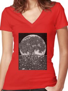 Above and Below Women's Fitted V-Neck T-Shirt