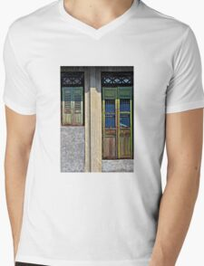 The Long and the Short of It  Mens V-Neck T-Shirt