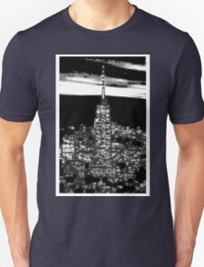 Modern abstract vector art, New York City 1930 at night black and white T-Shirt