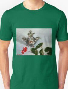 Silver urn deity and geranium   Unisex T-Shirt