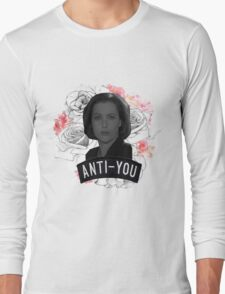 Queen Scully Long Sleeve T-Shirt
