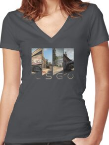CSGO maps title Women's Fitted V-Neck T-Shirt