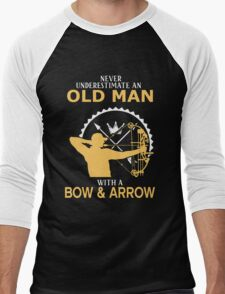 Never Underestimate An Old Man With A Bow & Arrow Men's Baseball ¾ T-Shirt