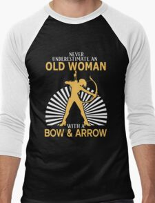 Never Underestimate An Old Woman With A Bow & Arrow Men's Baseball ¾ T-Shirt