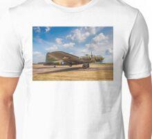 """Boeing B-17G Fortress II 44-85784 G-BEDF """"Sally B/Memphis Belle"""" Unisex T-Shirt"""
