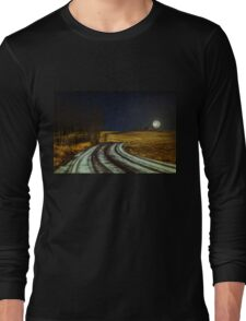 Somewhere, somebody out there is thinking of you Long Sleeve T-Shirt