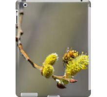 Gathering pollen iPad Case/Skin