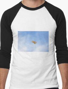 Single Engine Trainer Boeing Stearman PT-27 Kadet flying overhead. Men's Baseball ¾ T-Shirt