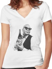titus pra caralho Women's Fitted V-Neck T-Shirt