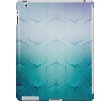 Blue sea geometric pattern texture on blurred background. Graphic illustration of seashells iPad Case/Skin