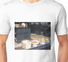 epicerie de quartier / local grocery store Unisex T-Shirt