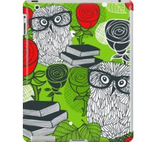 Red roses and clever owls. iPad Case/Skin