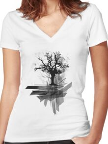 Grunge Tree Women's Fitted V-Neck T-Shirt