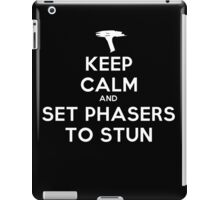 Keep calm and set phasers to stun - Alt version iPad Case/Skin