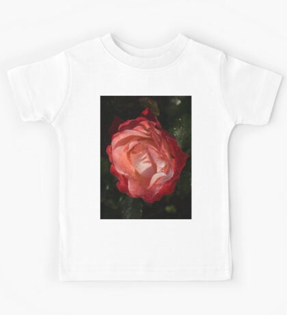 A Wonderful Cream-and-Red Rose With Dewdrops Kids Tee