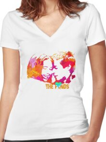 The Ponds, Amy and Rory  Women's Fitted V-Neck T-Shirt