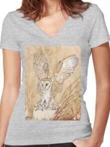 Barn Owl hunting 2 Women's Fitted V-Neck T-Shirt