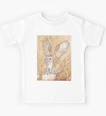 Barn Owl hunting 2 Kids Tee