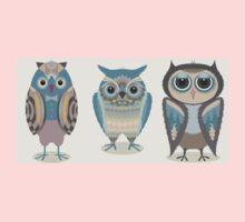 THREE FANCY OWLS Baby Tee