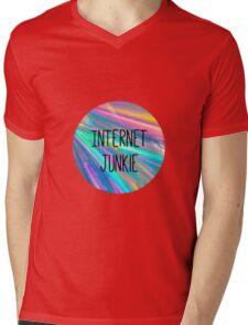 internet junkie Mens V-Neck T-Shirt