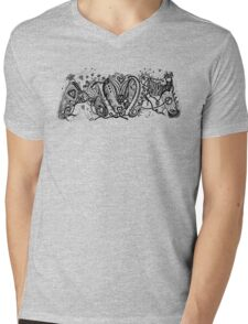 Mum (Mom) Aussie Tangle in Black Transparent Background Mens V-Neck T-Shirt