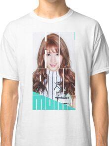 TWICE MOMO 'Cheer Up' Classic T-Shirt