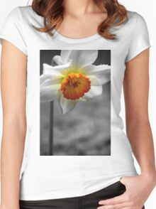 Daffodil Umbrella Women's Fitted Scoop T-Shirt