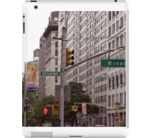 Traffic lights on Broadway (colour) iPad Case/Skin