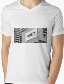 They Live - Obey Mens V-Neck T-Shirt