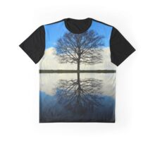 Reflective Beauty Graphic T-Shirt