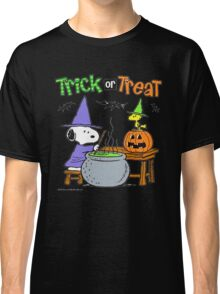 Snoopy Trick Or Treat Classic T-Shirt