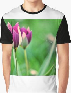 waiting in vain Graphic T-Shirt