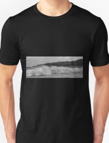 Byron beach with Cape Byron lighthouse Unisex T-Shirt