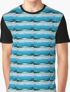 Byron beach waves Graphic T-Shirt
