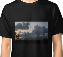 Barbed sunset Classic T-Shirt