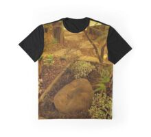A Face in the Garden  Graphic T-Shirt