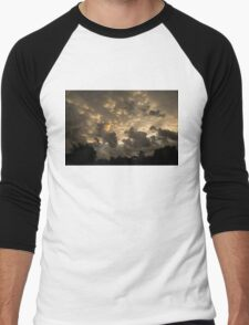 Extraordinary Mammatus Clouds At Sunset Men's Baseball ¾ T-Shirt
