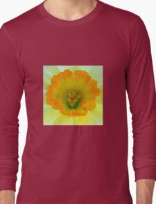 Daffodil close-up with visitor Long Sleeve T-Shirt