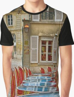 Café in Versailles Graphic T-Shirt
