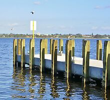 Quayside Jetty, Perth by lezvee