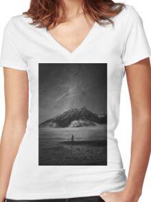 MASHUP Women's Fitted V-Neck T-Shirt