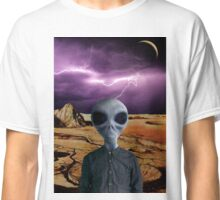 THE TRAVELER Classic T-Shirt